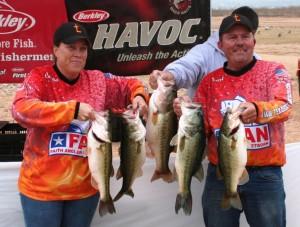 Earl and Leisha Loggains win FAN on Lake Buchanan