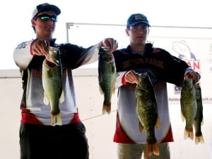 Ben Marczynski and Jason Duvall with Hyde Park High School win FAN's first qualifyier on Lake Belton