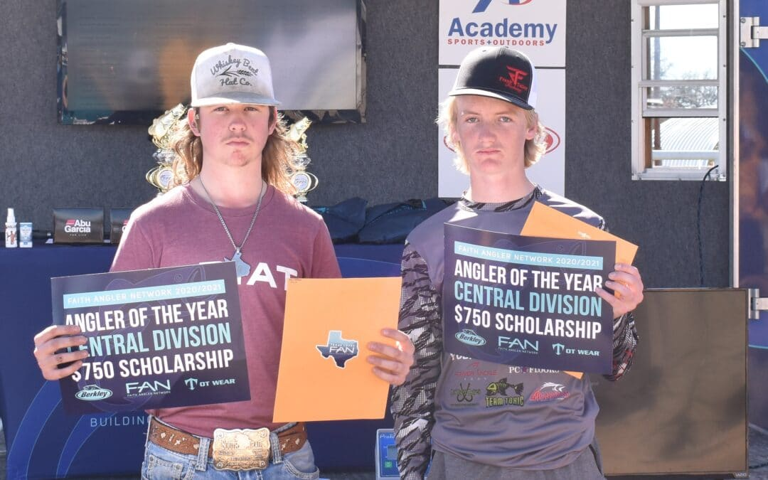 Landen Bennett and Ty Eaton win back to back TEAM AOY for FAN Central Texas.